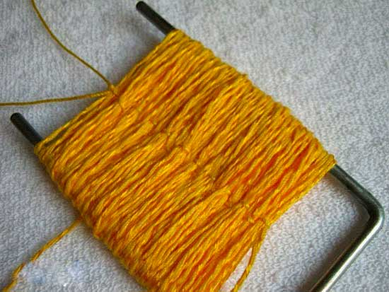 Вилку для вязания своими руками сделать